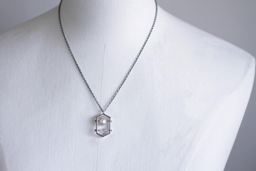イシトメ-真珠と水晶-トルソー